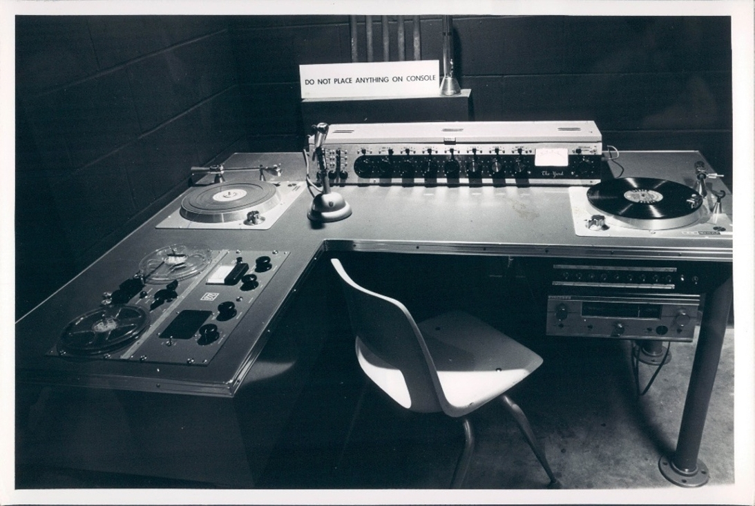 http://viktor-a-shapkin.narod.ru/olderfiles/7/1965_Sound_System.jpg